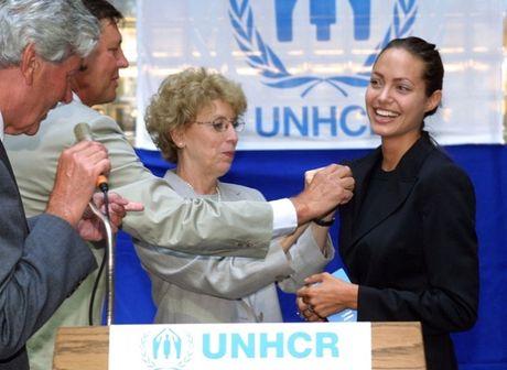 Angelina Jolie nguoi phu nu dung cam va lam chu cuoc song - Anh 9