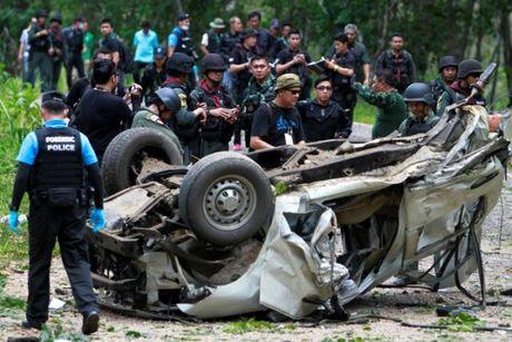 Lai no bom o mien nam Thai Lan, 3 canh sat thiet mang - Anh 1