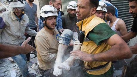 Quan doi Syria phat dong chien dich tan cong moi gianh lai Aleppo - Anh 1