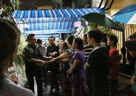Dam tang Minh Thuan: Xin cho nghe si mot goc rieng! - Anh 2