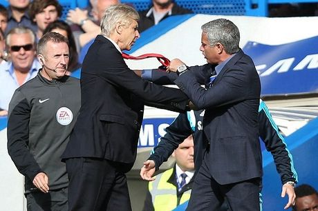 "Bat ngo: Mourinho doa ""danh vo mat"" Wenger - Anh 1"