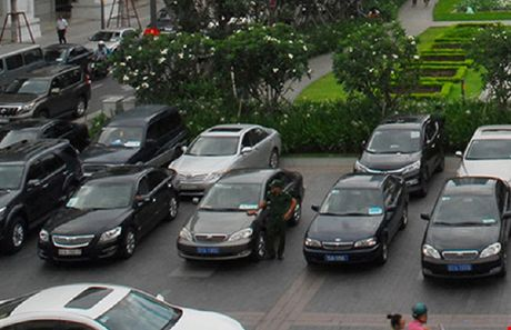 Gia khoan xe cong cho thu truong BTC la 15.000 dong/km - Anh 1