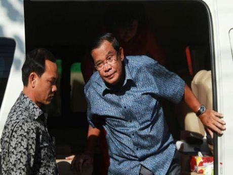 Thu tuong Campuchia tuyen bo 'dinh chien' chinh tri - Anh 1