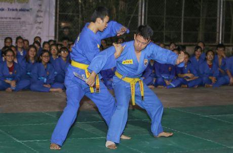 Nguoi phat ngon Bo Ngoai giao day vo o truong dai hoc - Anh 6