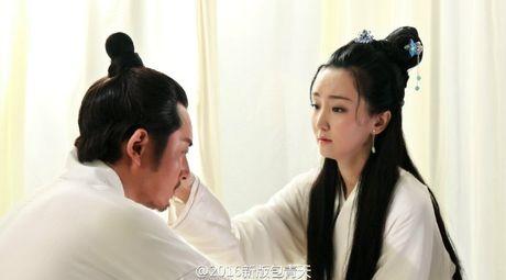 'Bao Thanh Thien' gay tranh cai vi de cong chua mac ho hang - Anh 4