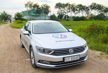 Volkswagen Passat: Sedan the thao danh cho nguoi tre - Anh 1