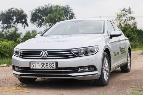 Volkswagen Passat: Sedan the thao danh cho nguoi tre - Anh 3