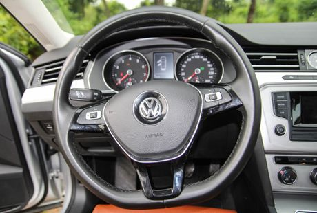 Volkswagen Passat: Sedan the thao danh cho nguoi tre - Anh 6