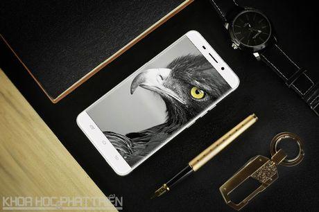 Can canh smartphone cam bien van tay, RAM 3 GB, gia hon 2 trieu - Anh 22