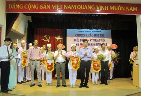 Chung khao hoi thi Dieu duong vien gioi Benh vien GTVT - Anh 1
