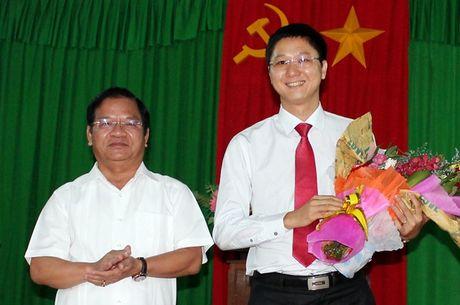 Huyen dao Ly Son co Bi thu 33 tuoi - Anh 1