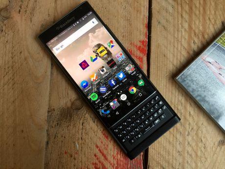 BlackBerry co the dong cua mang kinh doanh dien thoai di dong vao cuoi thang nay - Anh 1
