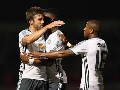 Hang tien ve Man United: Carrick se la cu hich cho Pogba - Anh 2