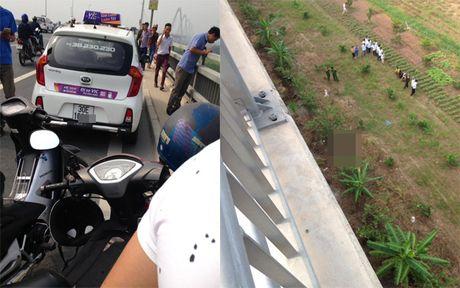 Ha Noi: Mot tai xe taxi tu vong bat thuong duoi cau Nhat Tan - Anh 1