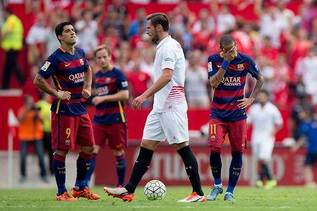 Barca thi dau ra sao khi vang Lionel Messi mua truoc? - Anh 2