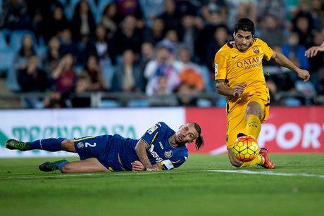 Barca thi dau ra sao khi vang Lionel Messi mua truoc? - Anh 7