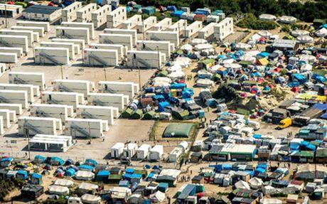 Tổng thống Pháp quyết tâm xóa sổ trại tị nạn ở Calais