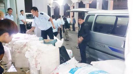 Hàng tiêu dùng Thái Lan tuồn qua biên giới