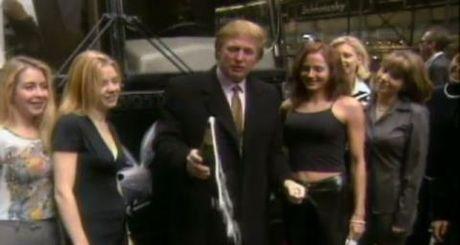 Bo phim nguoi lon cua ong Donald Trump bi dao xoi - Anh 1