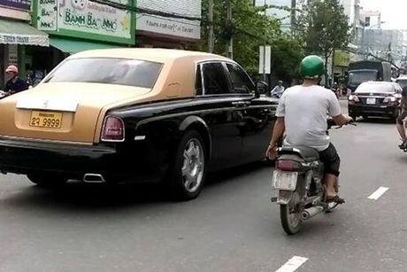 Rolls-Royce 60 ty cua dai gia Lao 'lan banh' tren pho Viet - Anh 6