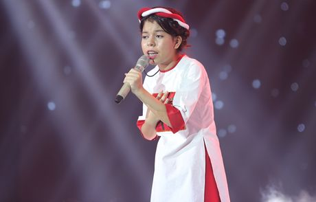Liveshow 3 The Voice Kids: Dong Nhi lai khoc nhu mua - Anh 3