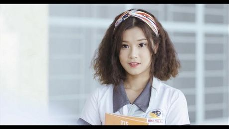 Hoang Yen diu dang giua 2 chang trai 'doi thu' Uni5 trong teaser moi - Anh 2