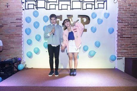Hoang Yen diu dang giua 2 chang trai 'doi thu' Uni5 trong teaser moi - Anh 5