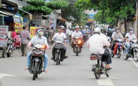 'Cho 1, 2 phut tren pho Ha Noi' va su im lang dang so cua nguoi tot - Anh 2