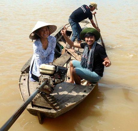 Quy Binh tan tinh chi dan em lai ghe - Anh 1