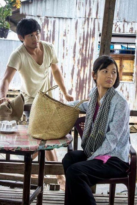 Quy Binh tan tinh chi dan em lai ghe - Anh 3