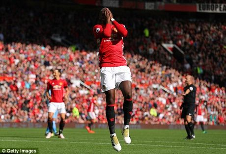 M.U vs Stoke City (1-1): 'Quy do' bi niu chan - Anh 11