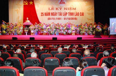 Lao Cai: Ky niem 25 nam Ngay tai lap tinh - Anh 1