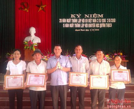 Quynh Thach co 1.000 gia dinh hieu hoc - Anh 1