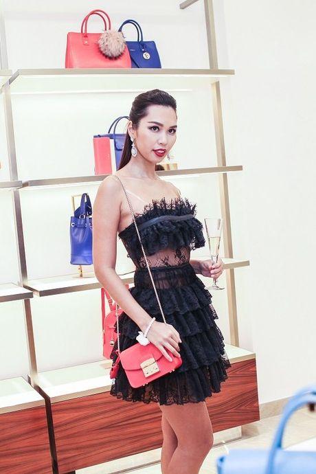 Lan Khue, Ha Anh, Trang Khieu do phong cach kieu ky tai su kien - Anh 4