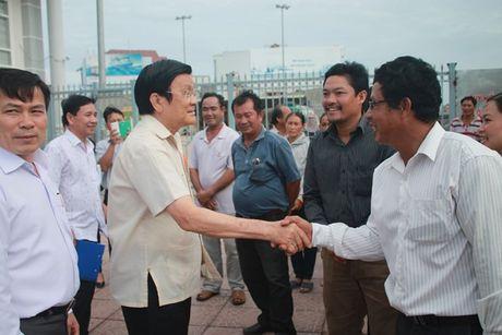 Nguyen Chu tich Nuoc Truong Tan Sang tham ngu dan Quang Ngai - Anh 1