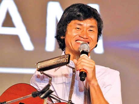 Dem nhac Trinh giup do thay tro 'quai kiet' Nguyen The Vinh - Anh 1