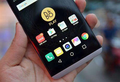 3 smartphone xach tay hap dan tai Viet Nam dau thang 10 - Anh 3