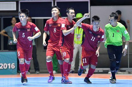 Tuyen futsal Viet Nam duoc FIFA trao giai doi choi dep nhat World Cup 2016 - Anh 3