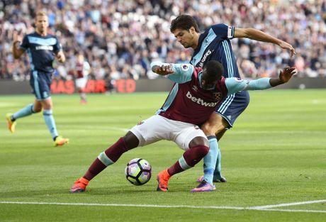 Payet lap sieu pham solo cuu West Ham khoi tran thua thu 6 - Anh 5