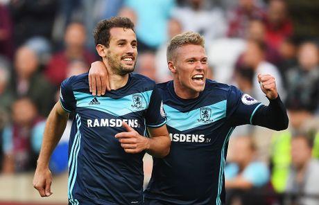Payet lap sieu pham solo cuu West Ham khoi tran thua thu 6 - Anh 8