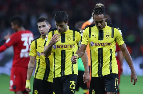 Chicharito 'no sung' khien Dortmund thua tran thu hai - Anh 11