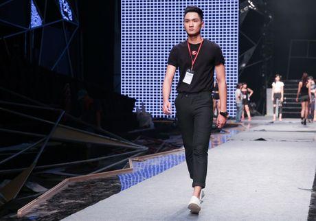 Hoang Thuy Linh, thi sinh Next Top tap luyen truoc chung ket - Anh 6