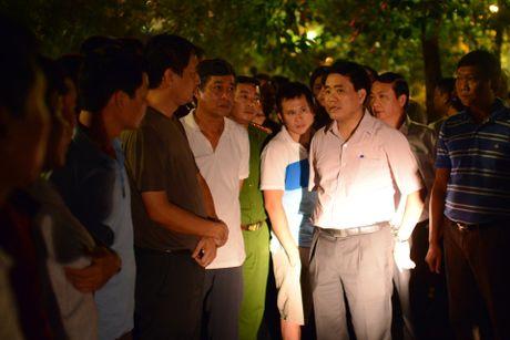 Chu tich Nguyen Duc Chung di cano ra ho Tay kiem tra ca chet - Anh 2