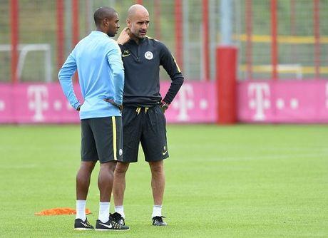 Pep Guardiola: 'Doi nao co 3 Fernandinho thi se vo dich' - Anh 1