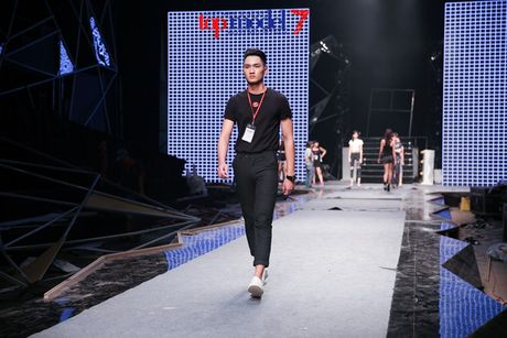 Hoang Thuy Linh-Trong Hieu tich cuc tap luyen cho chung ket Top Model - Anh 7