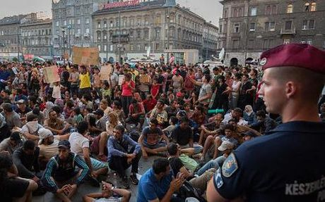 Hungary trung cau y dan ve ke hoach phan bo nguoi ti nan cua EU - Anh 1