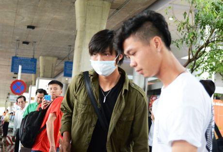 Phong cach la lam cua Cong Phuong, Tuan Anh ngay ve nuoc - Anh 6