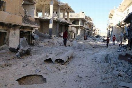 Quan Assad o at tan cong, quyet 'song mai' o Aleppo - Anh 1
