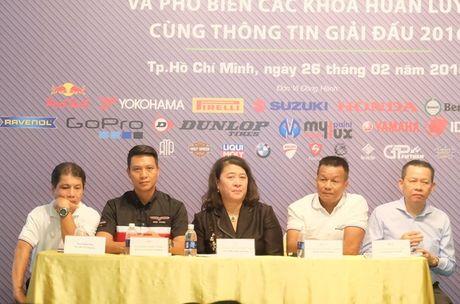 'Dai gia' bat dong san chuyen nghe: Nguoi mo truong dua, nguoi di ban ve so dien toan - Anh 2