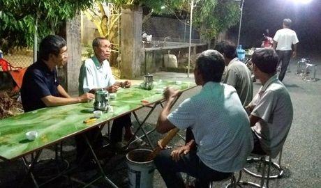 Tam su cua nguoi chong co vo 'sang hang xom choi khong ve' - Anh 1